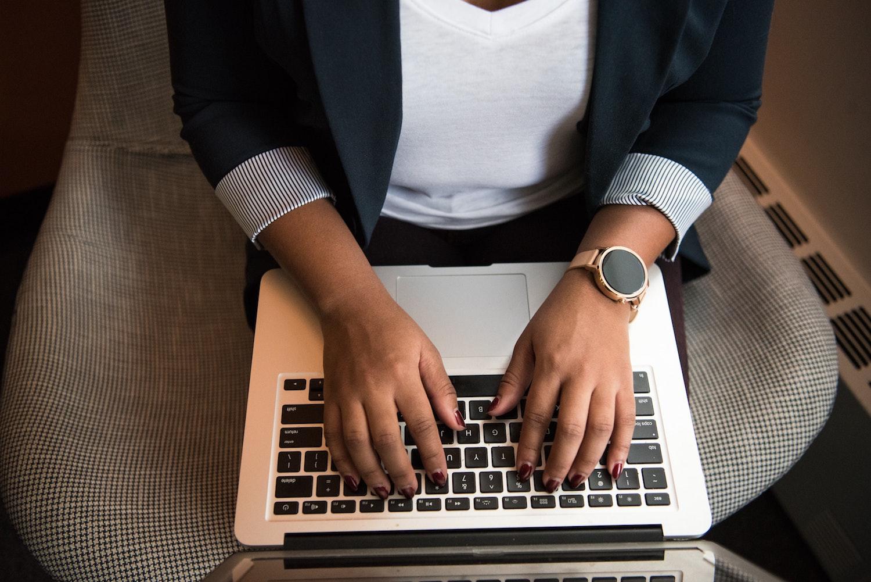 Jak wybrać firmę outsourcingową z branży IT?