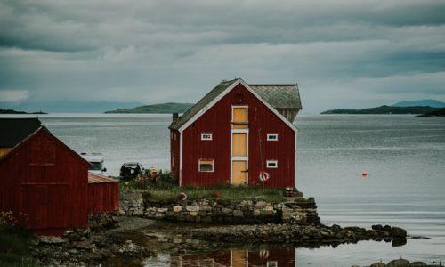 Jak kupić mieszkanie nad morzem?